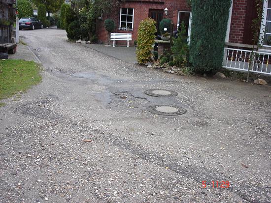 """Dieses Bild gehört bald der Vergangenheit an. Am 15. Juli beginnt der Ausbau der Straßen in der Siedlung """"Brink"""" - Foto: Gemeinde Raesfeld"""